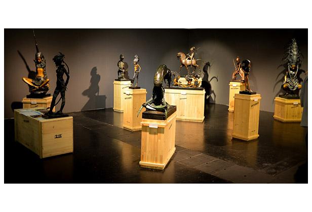 Выставка скульптур Андрея Осташова, Маленькие левитации