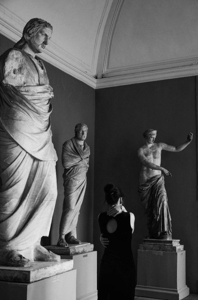 человек статуи